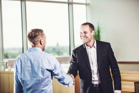 Chuẩn bị trang phục phỏng vấn thế nào để ghi điểm nhà tuyển dụng?