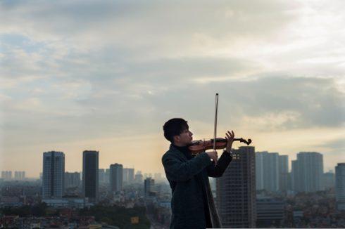 Năm 2017, Hoàng Rob ước vọng sẽ cộng tác cùng một nhà sản xuất nước ngoài để thực hiện một đĩa nhạc kết hợp âm nhạc dân gian Việt Nam và EDM, phát hành ra ngoài mảnh đất hình chữ S.