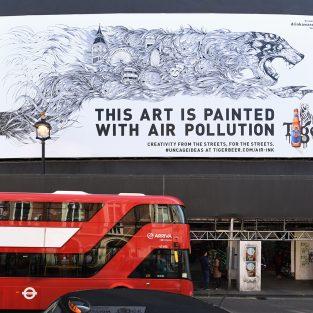 Tiger Beer biến khói xe thành mực viết với công nghệ Air-Ink ™