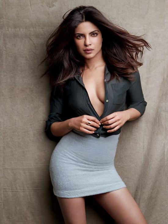 """priyanka-chopra-elle-man-1 Priyanka Chopra, """"người phụ nữ đẹp"""" thứ nhì thế giới"""