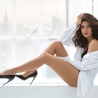 """Priyanka Chopra, """"người phụ nữ đẹp"""" thứ nhì thế giới"""