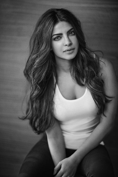 """priyanka-chopra-elle-man-30 Priyanka Chopra, """"người phụ nữ đẹp"""" thứ nhì thế giới"""