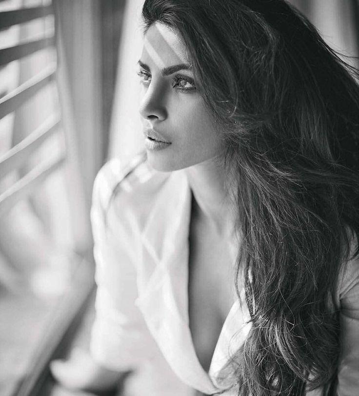 """priyanka-chopra-elle-man-32 Priyanka Chopra, """"người phụ nữ đẹp"""" thứ nhì thế giới"""