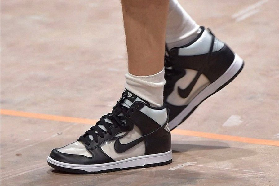"giay the thao - COMME des GARÇONS x Nike ""Clear"" Dunk High - elle man 2"