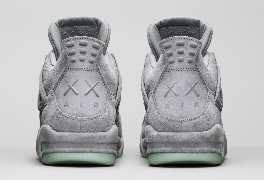 giay the thao - KAWS x Air Jordan IV - elle man 3