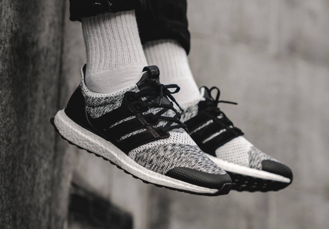 giay the thao adidas 2017 - Sneakersnstuff x Social Status x adidas Consortium Ultra Boost - elle man 1