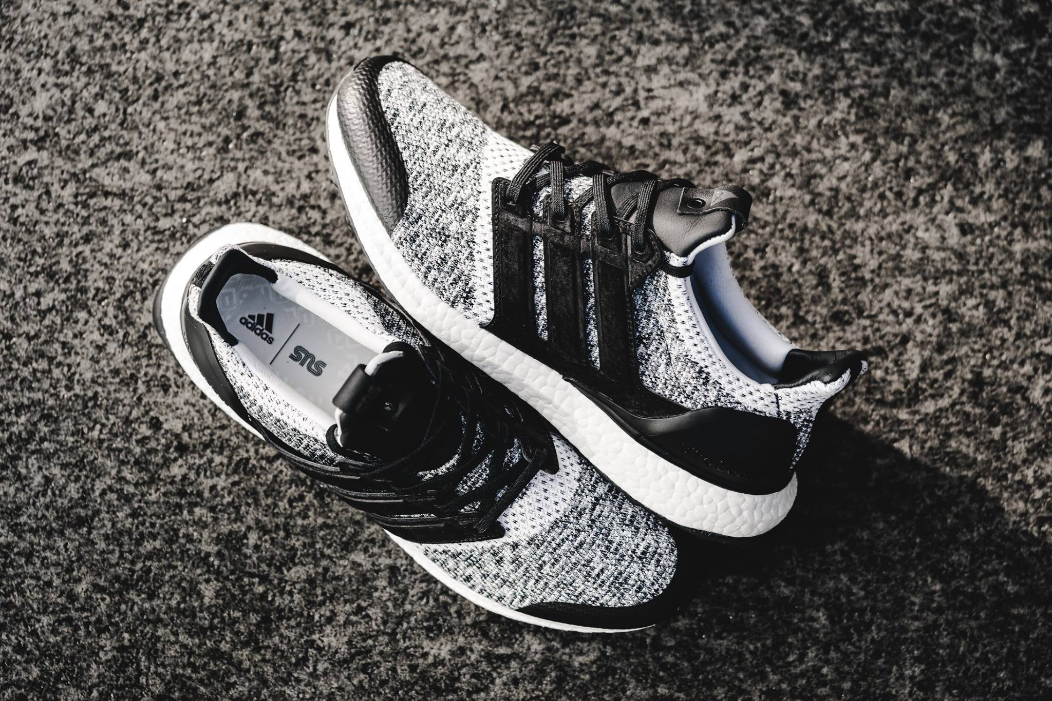 giay the thao adidas 2017 - Sneakersnstuff x Social Status x adidas Consortium Ultra Boost - elle man 2