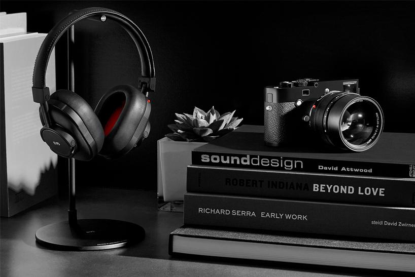 Master & Dynamic x Leica 4