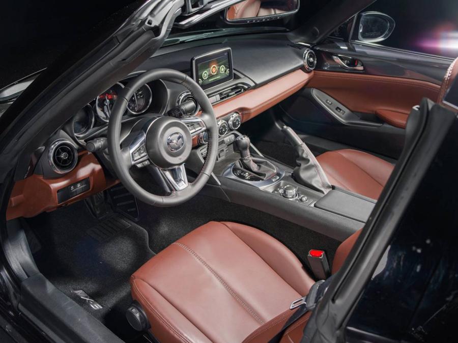 xe hoi dep - Mazda MX-5 RF - elle man 4