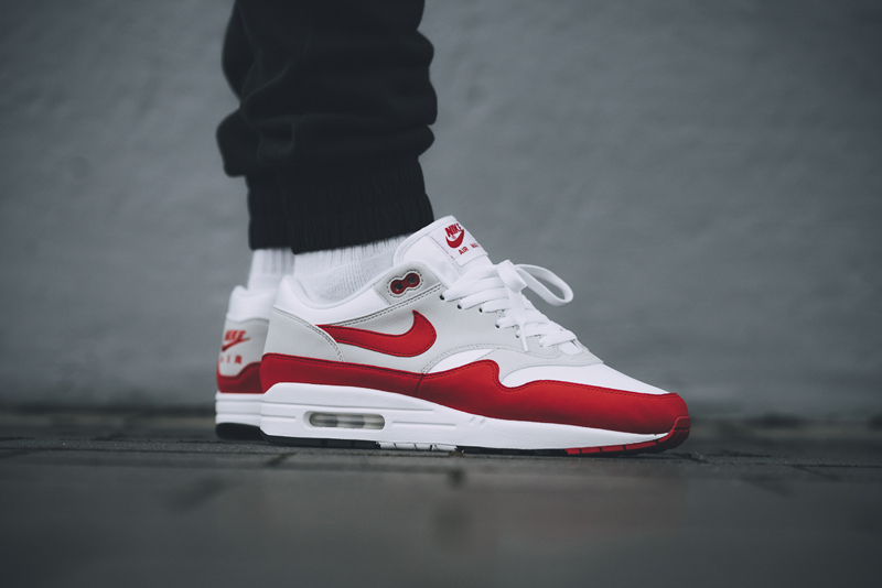 giay the thao nike - Air Max 1 - elle man 3