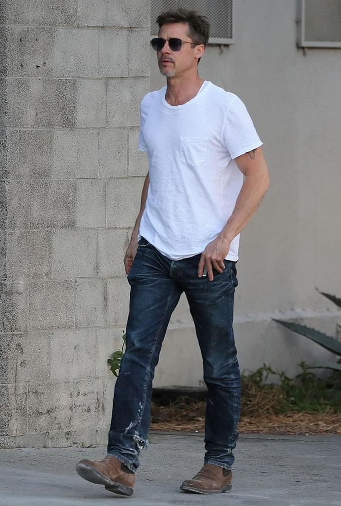 Phong cach thoi trang - elle man 4 - Brad Pitt