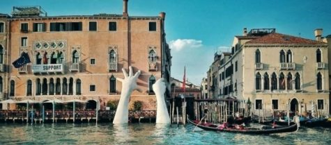 """Bàn tay khổng lồ """"Support"""" & thông điệp chống biến đổi khí hậu"""