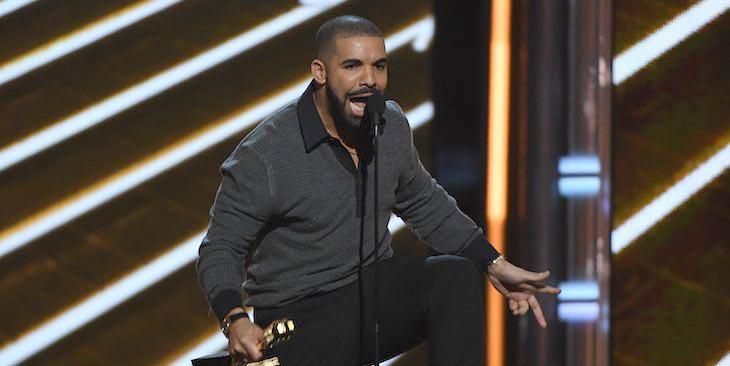 Vượt qua Adele, Drake trở thành Top Artist tại Billboard Music Awards 2017