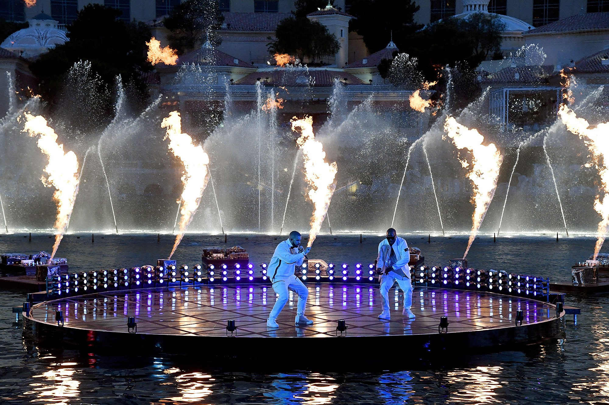 LAS VEGAS, NV - MAY 20: Rappers Drake (L) and Baka perform during the 2017 Billboard Music Awards at The Fountains of Bellagio on May 20, 2017 in Las Vegas, Nevada. (Photo by Ethan Miller/BBMA2017/Getty Images for dcp)