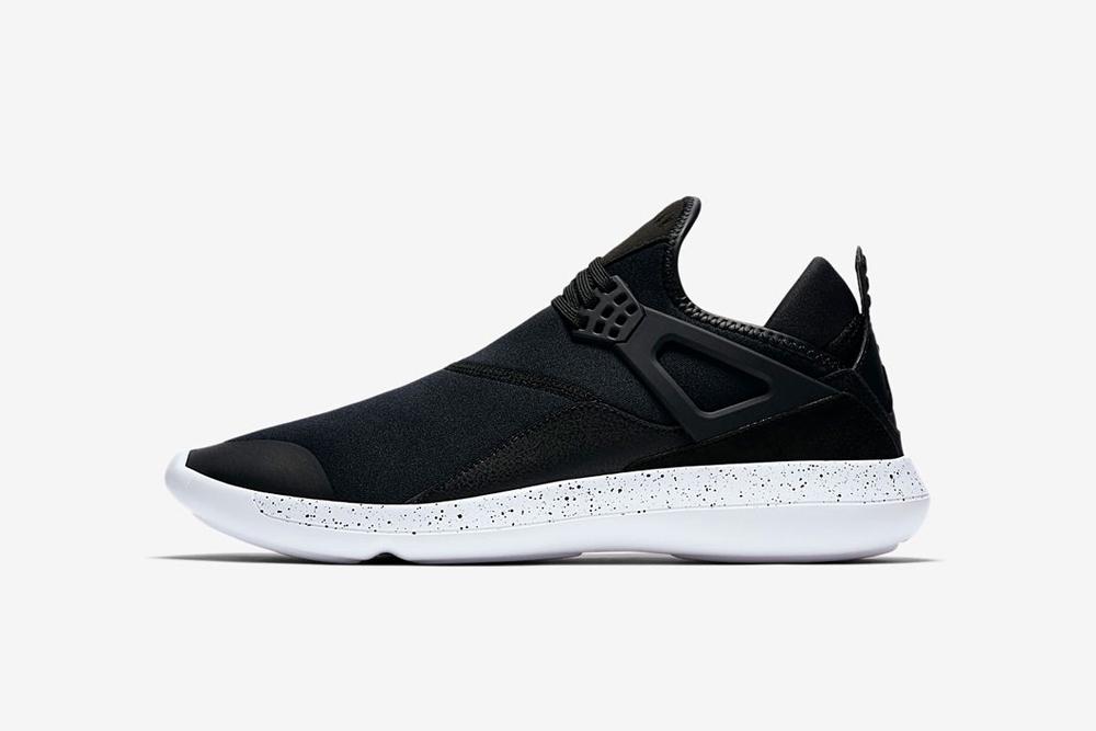 giay sneaker - phong cach thoi trang - elle man 14-Nike Jordan Fly 89