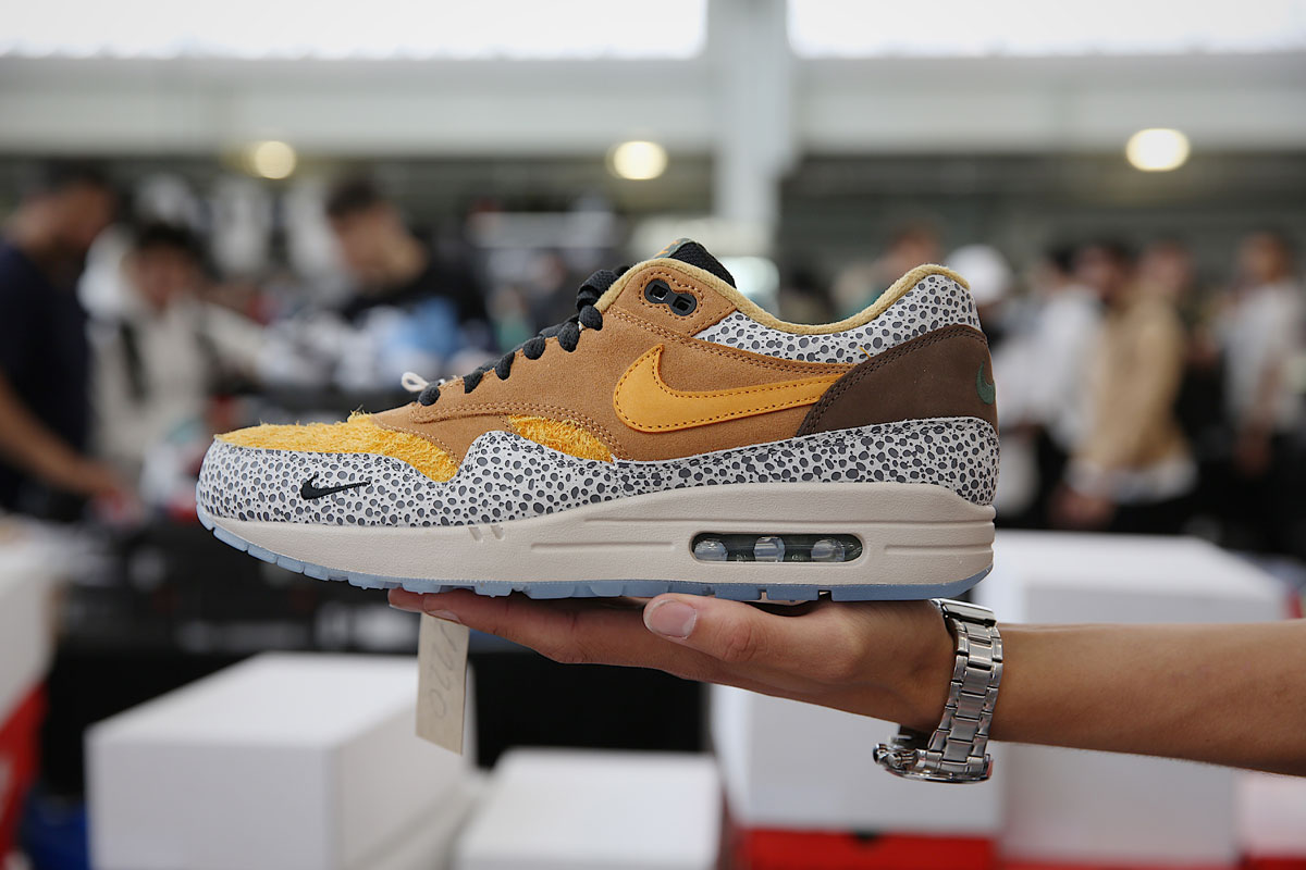 giay the thao sneaker con london - elle man 14