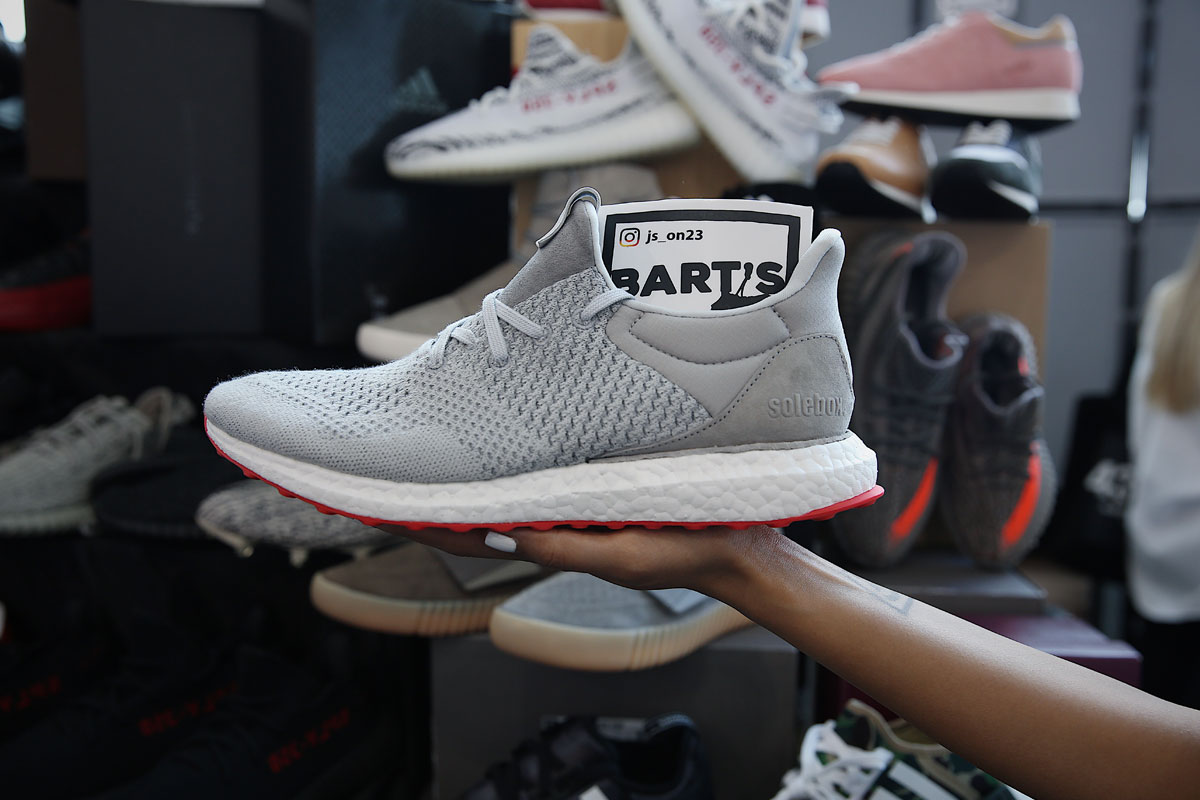 giay the thao sneaker con london - elle man 20
