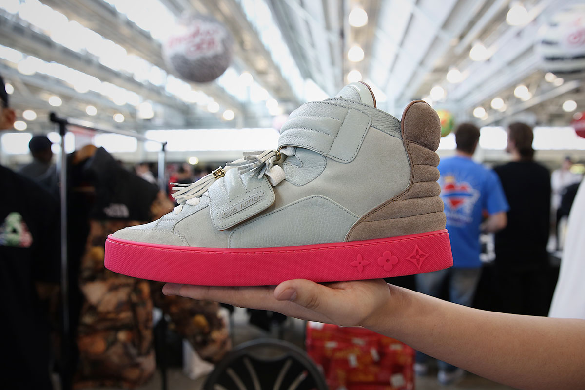 giay the thao sneaker con london - elle man 4