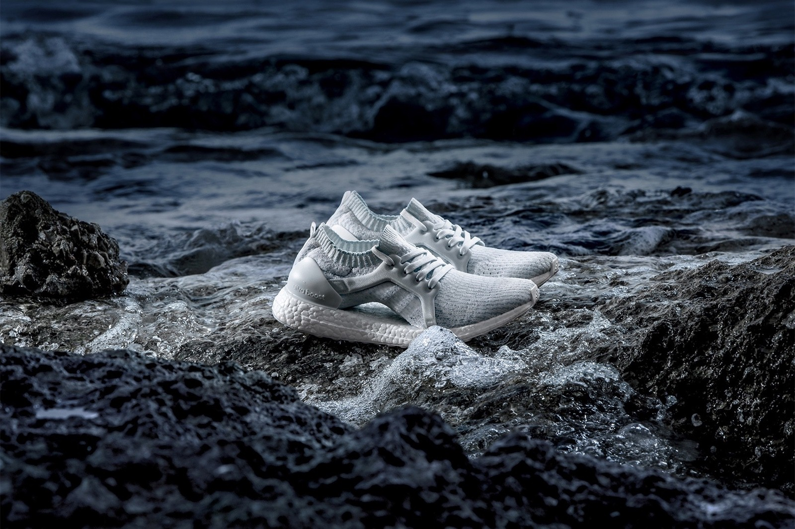 giay the thao tuan 1 thang 6.2017 - Parley x adidas UltraBOOST X - elle man