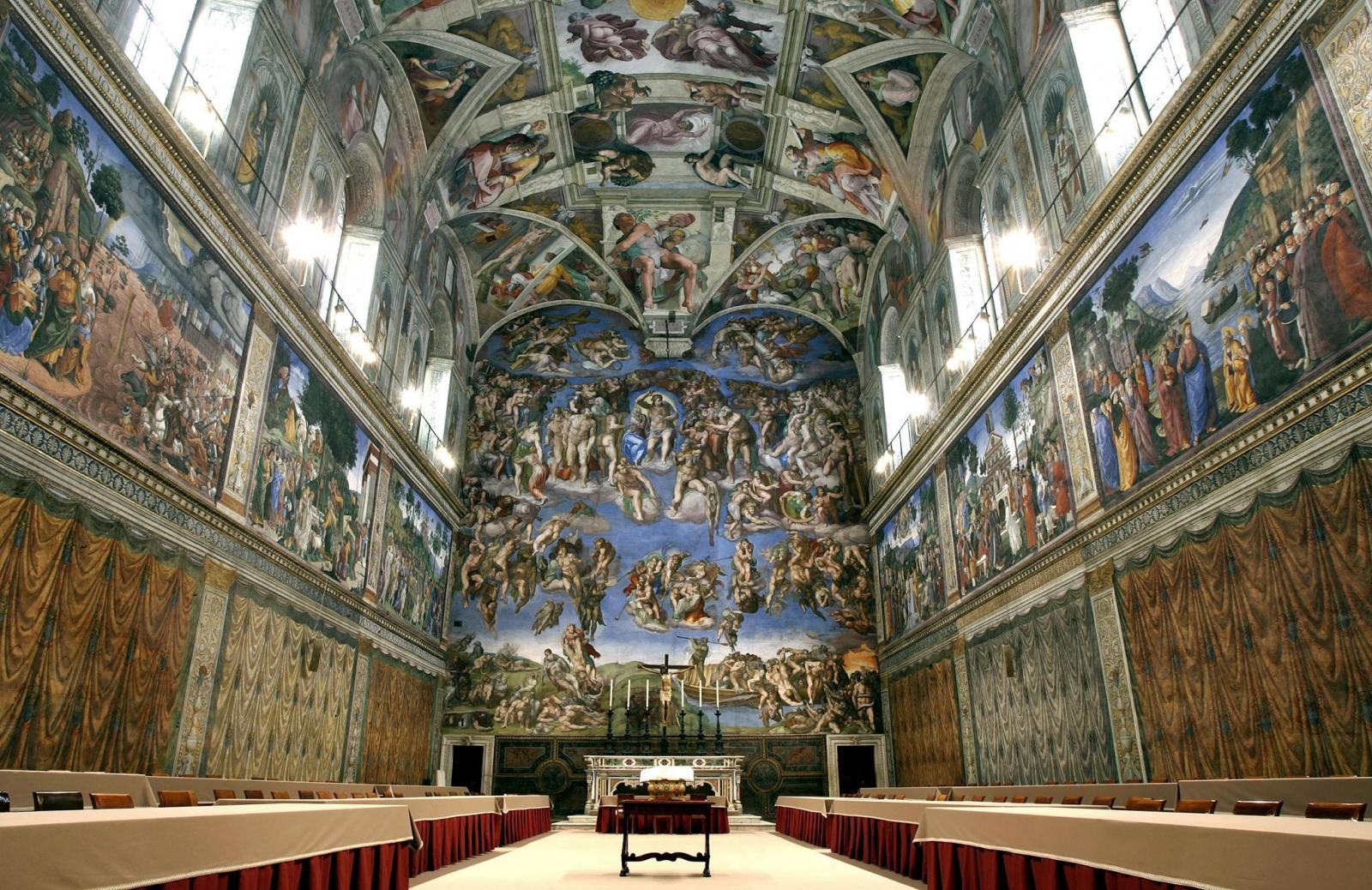 Bức họa trêm vòm của Michelangelo