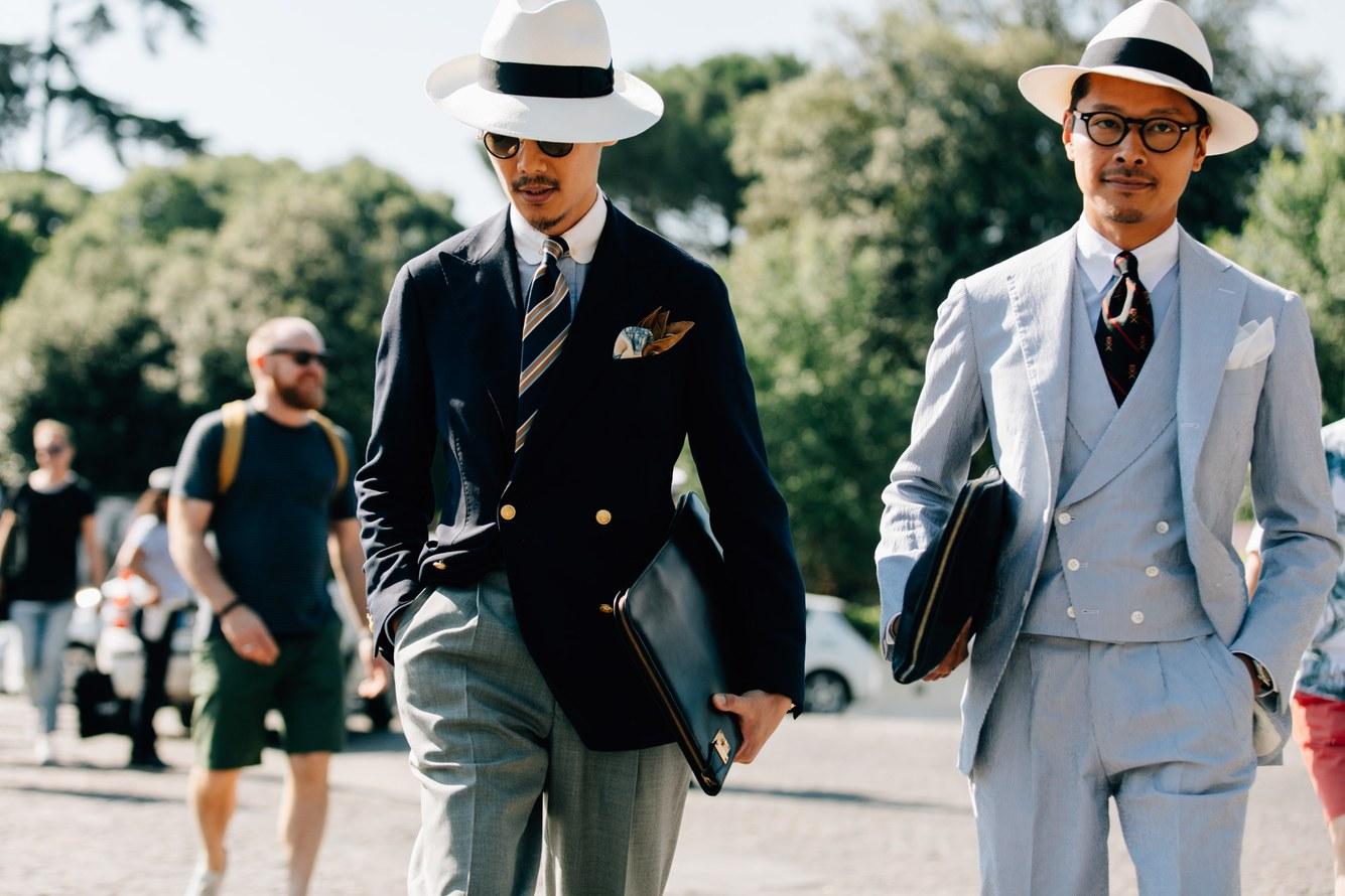 Những chiếc mũ cói trắng dịu mắt trong cái nắng tháng 6 ở Florence