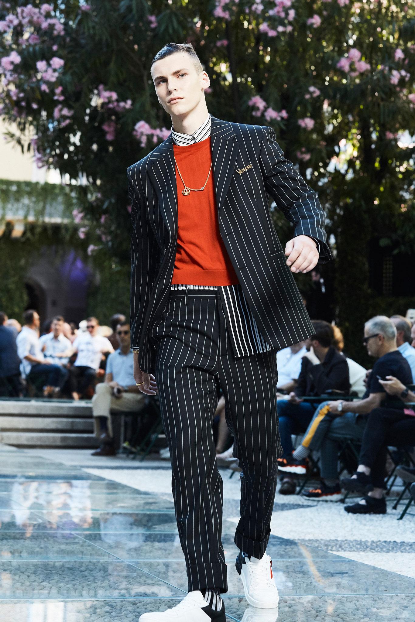 Một thiết kế trong BST của Versace