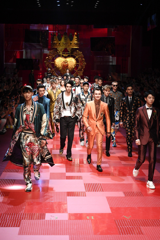 BST Xuân-Hè 2018 của Dolce & Gabbana tại Tuần lễ thời trang nam Milan