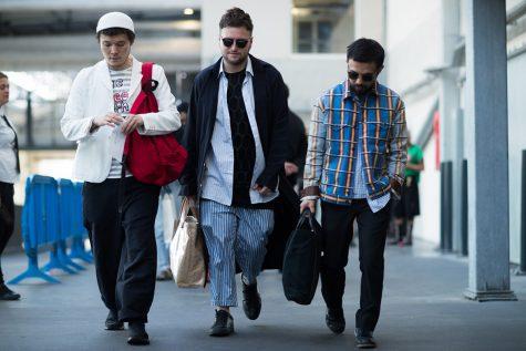 Street style siêu chất tại Paris Fashion Week 2018