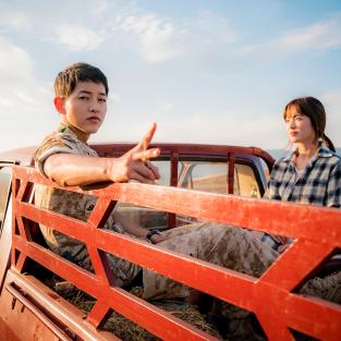 """24 sự thật thú vị về chàng """"Hậu Duệ Mặt Trời"""" Song Joong Ki"""