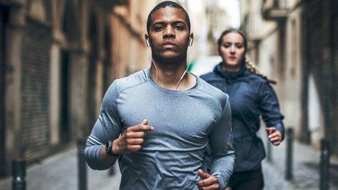 10 đồng hồ thông minh theo dõi sức khỏe tốt nhất 2017