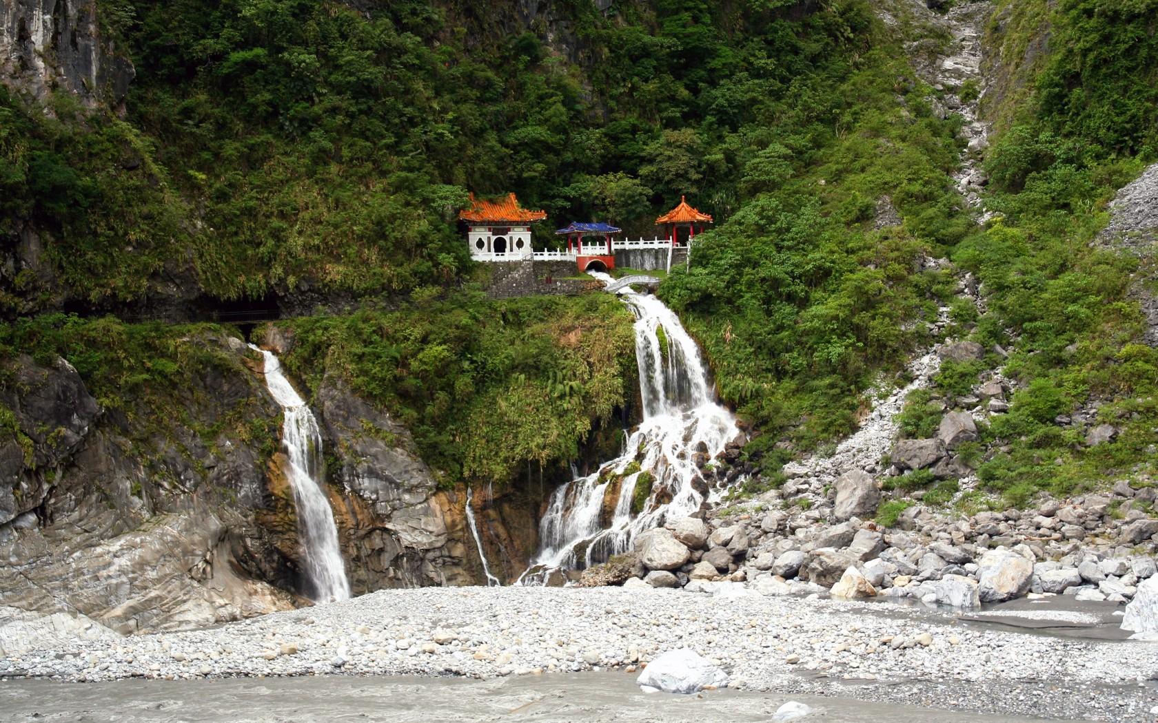Đền Thờ Eternal Spring tại công viên quốc gia Taroko.