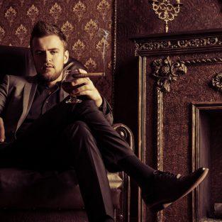 Xì gà, thú tiêu khiển đầy chất nghệ của đàn ông tuổi 40
