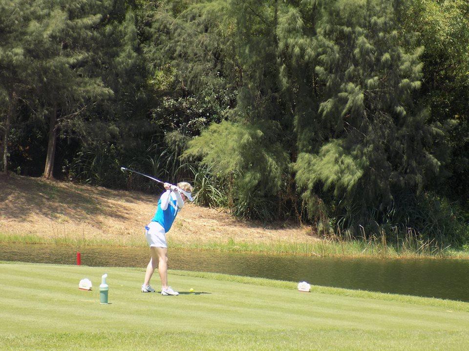 Hơn 140 golf thủ đầy nhiệt huyết đến từ khắp thế giới đã tham gia sự kiện này.