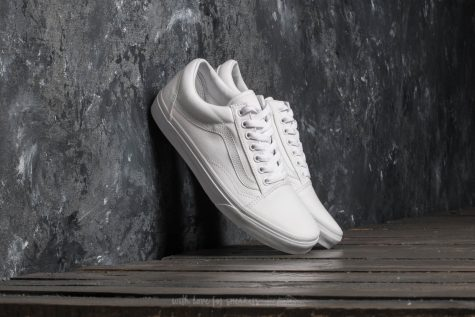 giay the thao all-white - Vans Old Skool - elle man 2