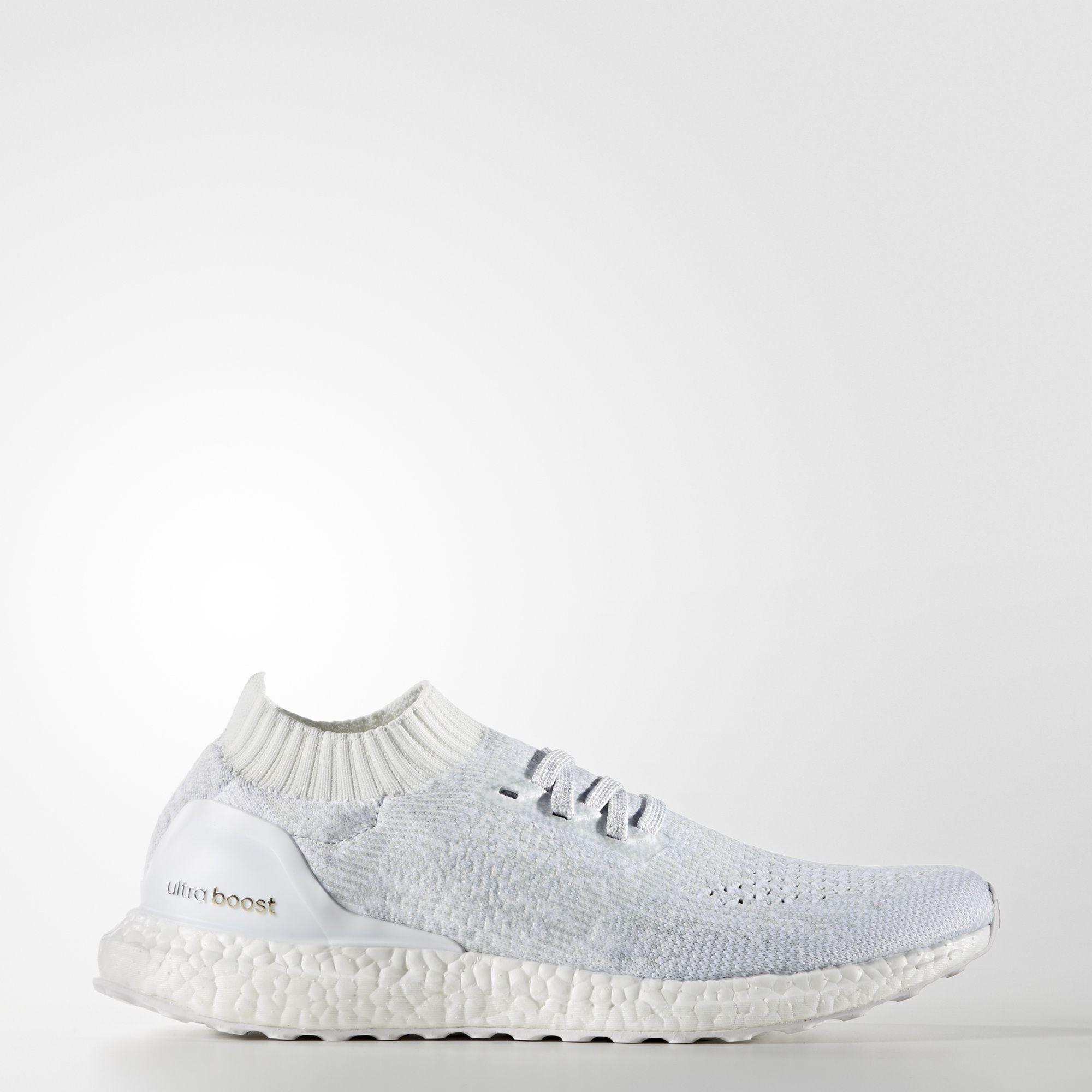 13 thiết kế giày thể thao trắng đáng chú ý nhất hiện nay