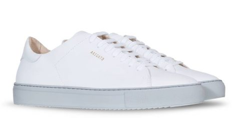 giay the thao all-white - axel arigato clean sneakers - elle man 1