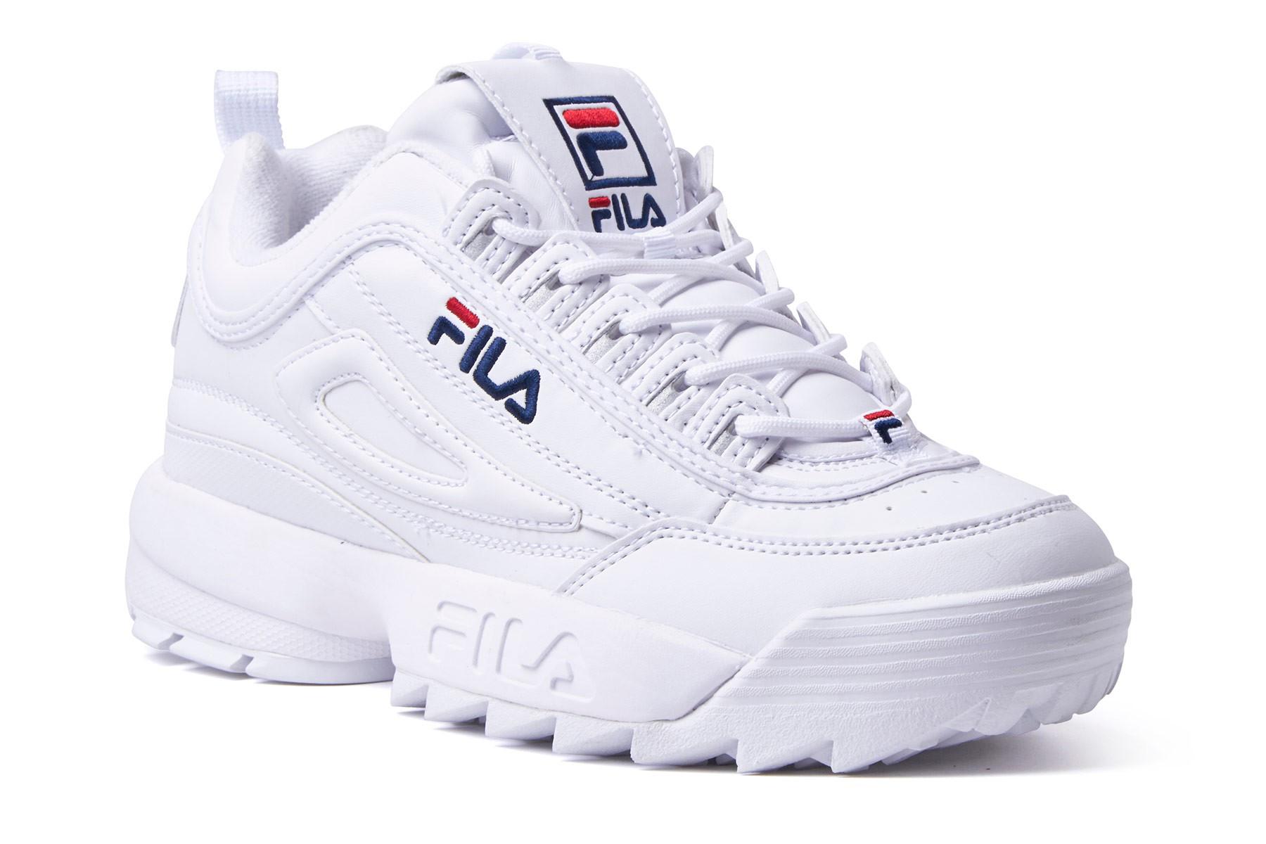 """giay the thao ugly sneakers fila disruptor elle man - 9 thiết kế giày thể thao """"Xấu Lạ"""" đáng chú ý nhất hiện nay"""
