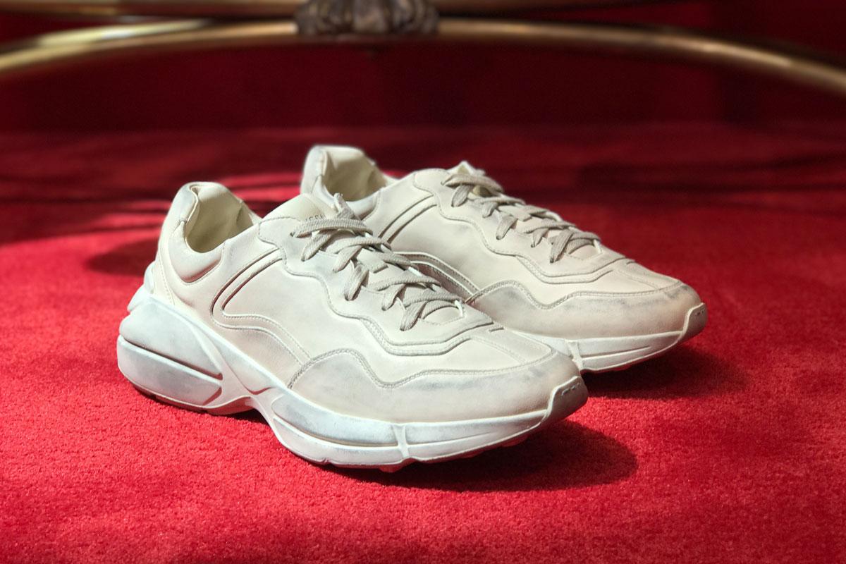 """giay the thao ugly sneakers gucci runner elle man 2 - 9 thiết kế giày thể thao """"Xấu Lạ"""" đáng chú ý nhất hiện nay"""