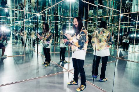 """DJ Steve Aoki và BST tập giày thể thao cực """"khủng"""""""