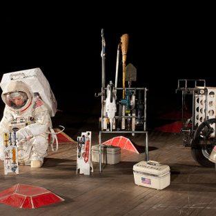"""Tom Sachs khai trương triển lãm nghệ thuật """"Objects of Devotion"""""""