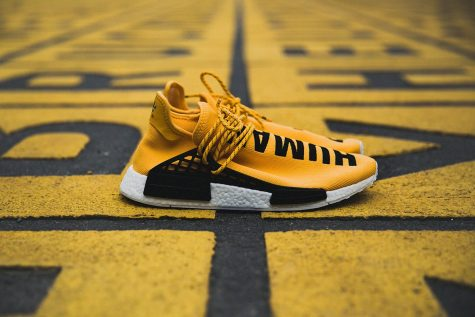 "giay the thao pharrell williams Pharrell x adidas Originals NMD ""Human Race"" (2016) - elle man"