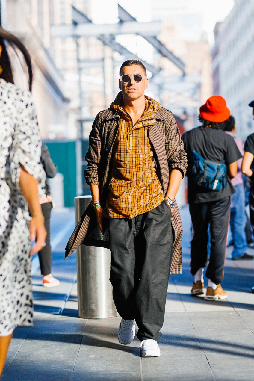 Street style nam nổi bần bật tại tuần lễ thời trang nữ New York, Xuân –Hè 2017-183