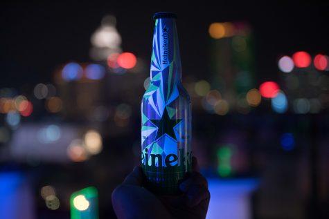 Aluminium của bia Heineken: tuyệt tác của màn đêm