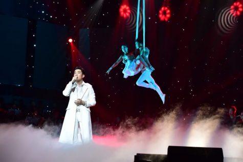 """Ca sĩ Quang Hà hội tụ dàn sao tại """"Trăm năm không quên"""""""