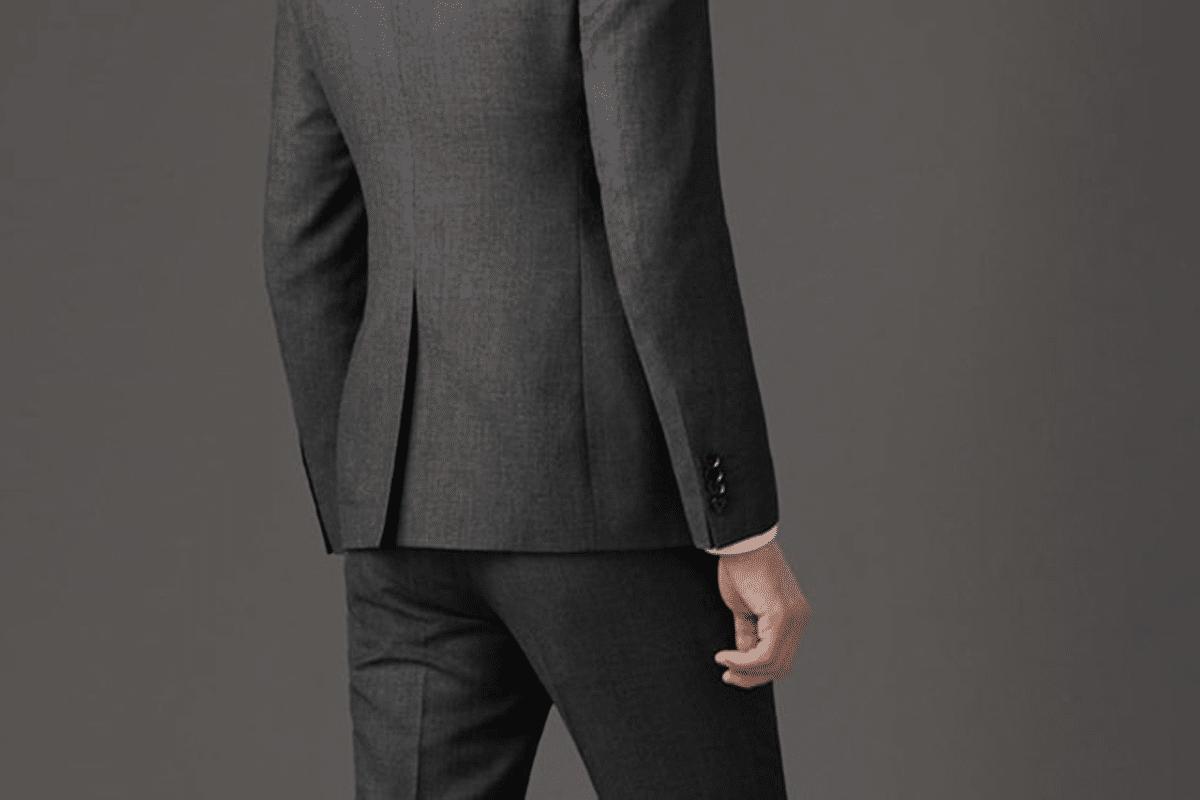 Đườngxẻ tà đơn của suit nam kiểu Mỹ.