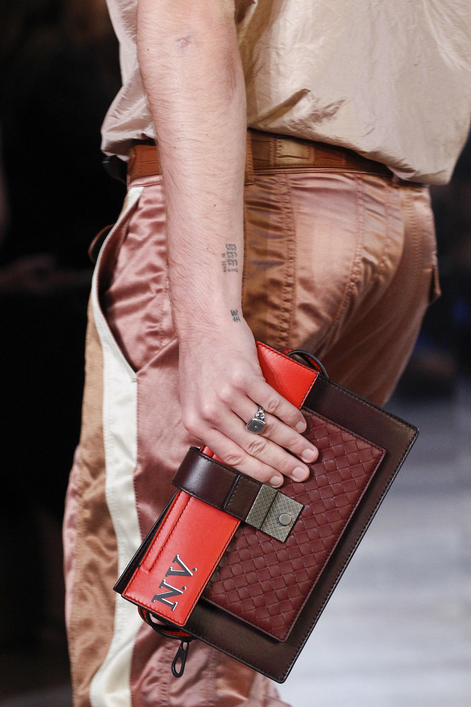 BST thời trang Xuân-Hè 2018 Bottega Veneta cú chuyển mình ngoạn mụcelleman10