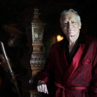 """Hugh Hefner, ông chủ """"triều đại"""" Playboy qua đời ở tuổi 91"""