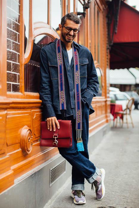 Street style Paris tại tuần lễ thời trang Xuân-Hè 201718 elleman18