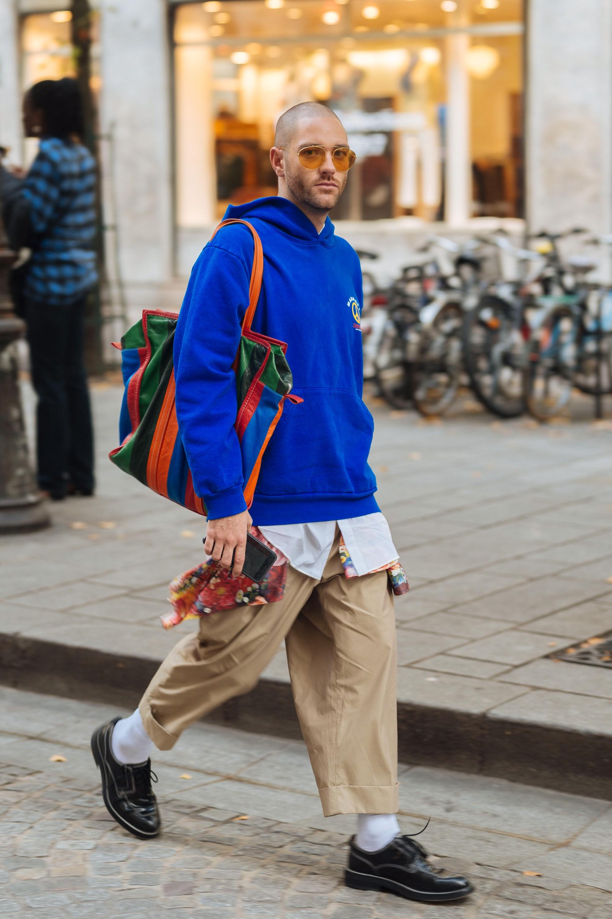 Street style Paris tại tuần lễ thời trang Xuân-Hè 201718 elleman6