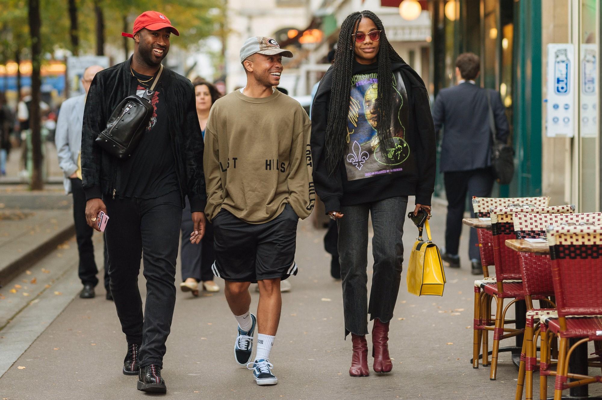 Street style Paris tại tuần lễ thời trang Xuân-Hè 201718 elleman7